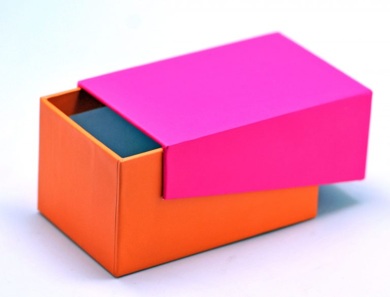 Rigid Box for Ayesha in Pink