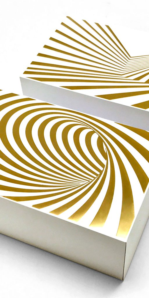 Optical-Illusion-Gold-Sticker-iPhone-TH